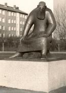 f-1982-sitzende-rubezahlfigur-goslar-1.jpg